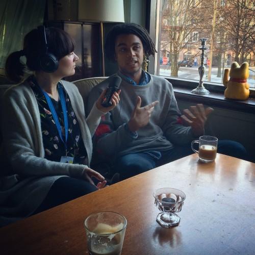 Elma intervjuar Samori Tovatt.