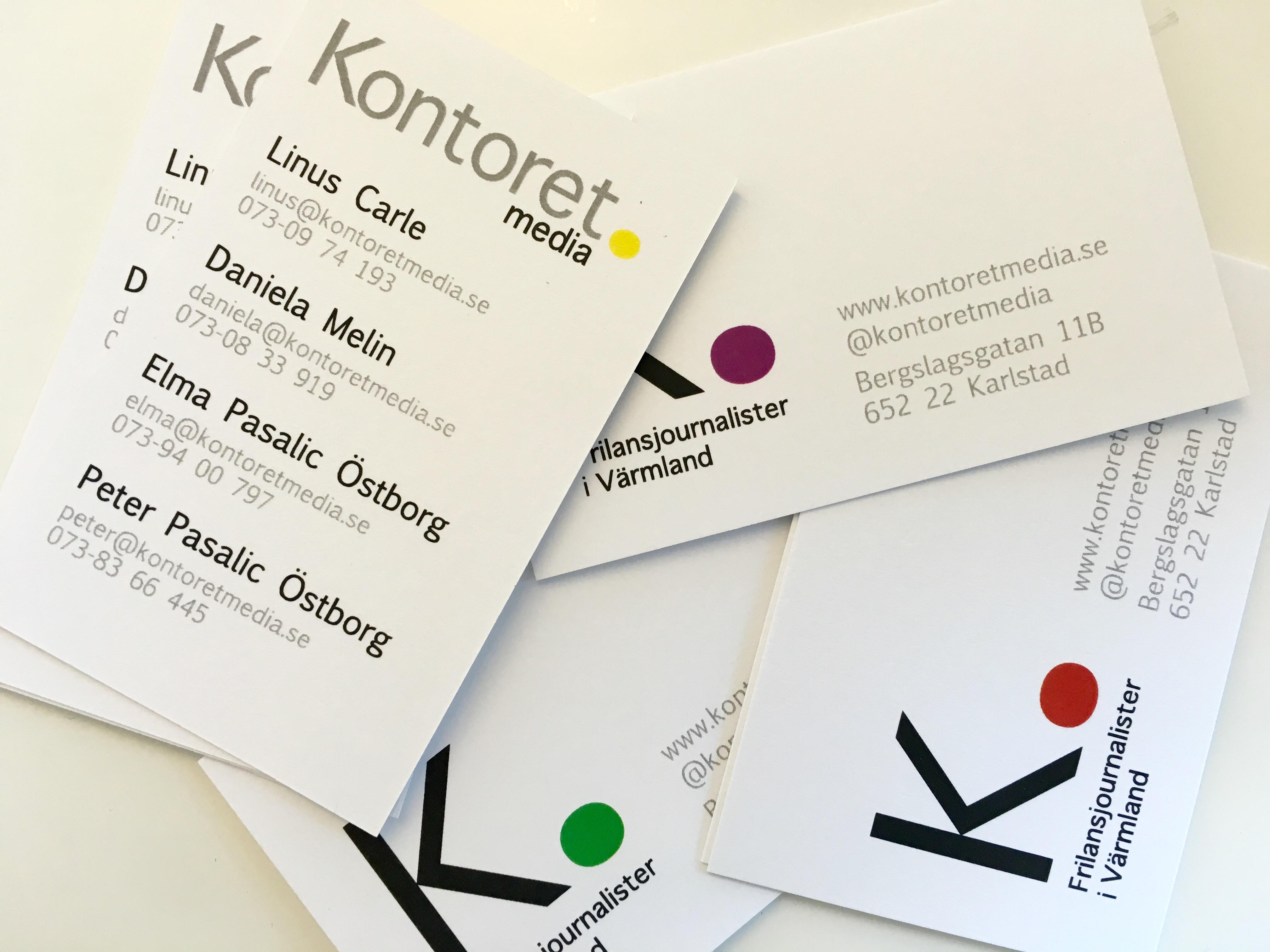 Nya visitkort, med kontaktuppgifter till Linus Carle, Daniela Melin, Elma Pasalic Östborg och Peter Pasalic Östborg.